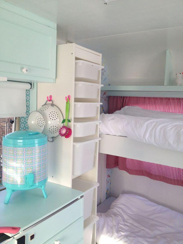 caravan witte basis | bunk beds | stapelbed | caravanity.nl