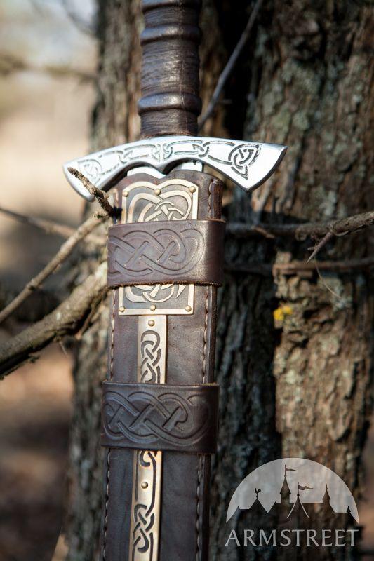 Fourreau de Viking en cuir avec laiton gravé