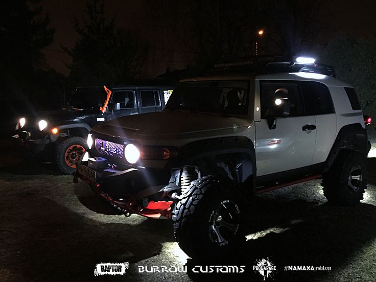 Toyota FJ Cruiser with Jeep Wrangler - Red and Orange. Burrow Customs