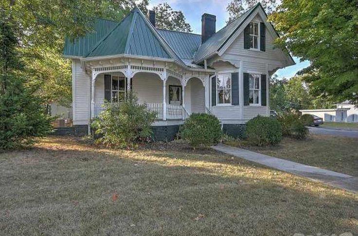 c. 1900 Queen Anne - Rogersville, TN - $129,800 - Old House Dreams