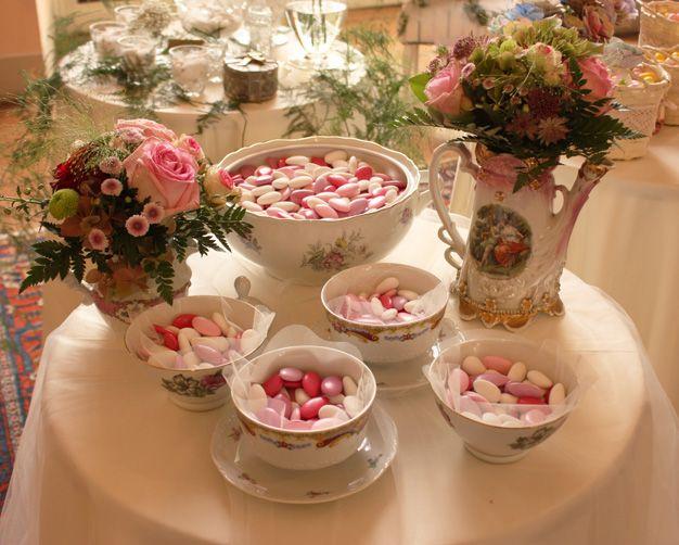Wedding Details   Confettata Con Ceramiche Antiche Per Un Romantico  Matrimonio Stile Provenzale