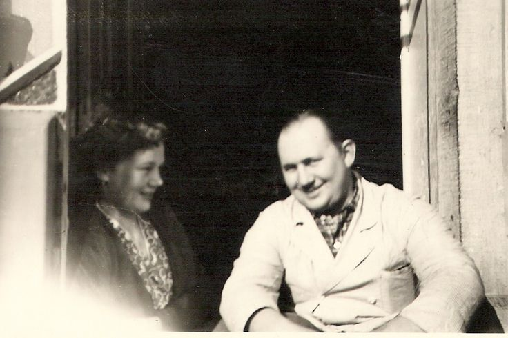My parents flirting in 1952-1953