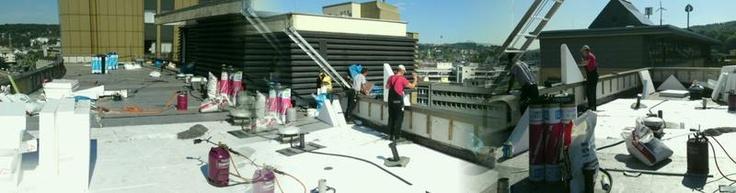Panoramabild Baustelle auf dem Dach. Flachdachabdichtung des Fachbetriebs Dachdeckermeister Jürgen Altenburg in Wuppertal (42349)   Dachdecker.com