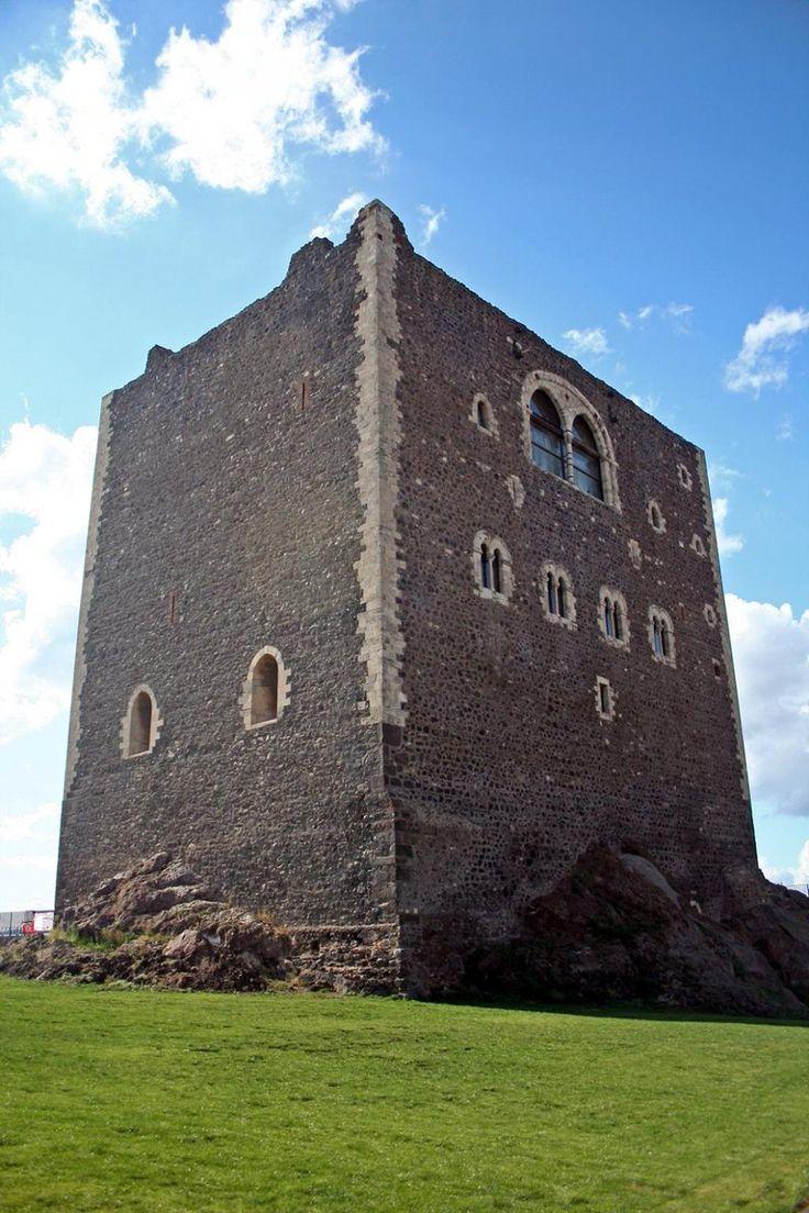 Paternò Il Castello Normanno, simbolo della Citàà. Paternò, the Norman Castle, symbol of the city #Catania #visitsicilyinfo