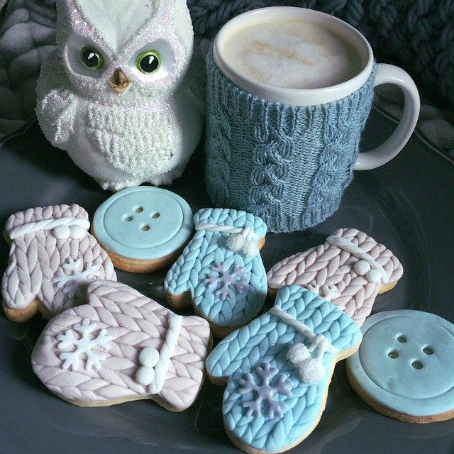 Cozy knit tea cup!