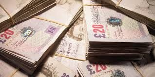 Short term payday loans are advances that are provide for a month's time. These loans are very simple to obtain and anyone can apply for them and get immediate approval.