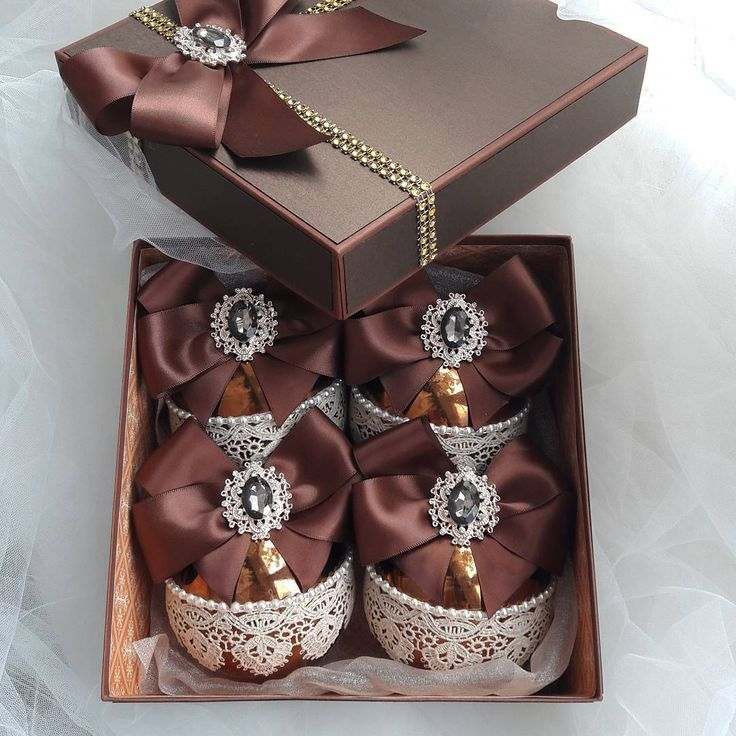Покажу еще один набор это красавчики насыщенного шоколадного цвета, диаметр шара 8 см, шары пластиковые, в наборе 4 шара и коробочка 2400