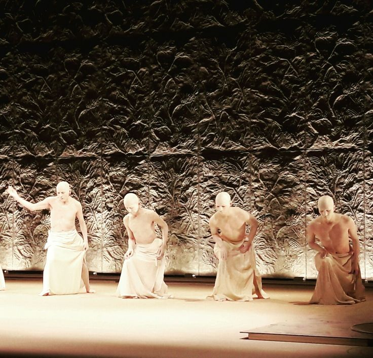 Butoh by Sankai Juku at Teatro Alfa