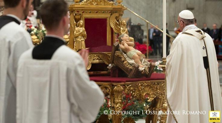 """Al presidir la celebración de las primeras Vísperas de la Solemnidad de María Santísima Madre de Dios y Te Deum de agradecimiento por el año que culmina, el Papa Francisco alentó a los fieles a """"agradecer y pedir perdón"""" a Dios. https://www.aciprensa.com/noticias/agradecer-y-pedir-perdon-a-dios-al-concluir-el-ano-alienta-el-papa-francisco-93540/"""