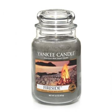 LIVING ROOM Yankee Candle Company FIRESIDE: Cozy and rustic . . . the scent of a warm, crackling wood fire. Experience the authentic, true-to-life fragrance and renowned Yankee Candle® quality that have made us America's favorite. * got this one - tart*
