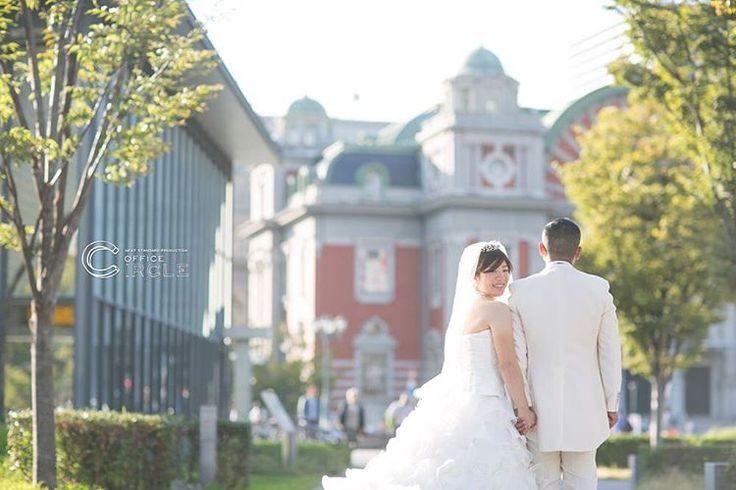 """結婚式のビデオ撮影・写真撮影にこだわるなら""""Office Circle""""関西を中心に全国出張可能。 二人らしい自然な一瞬をちょっとドラマチックに。最高の瞬間をカタチに残します。"""