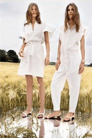 MILK WHITE A return to maternal nature, wearing a non-color. Milk white becomes a uniform for� daily wear, perfect and impeccable on all occasions The classic hyper-feminine suit with a three-quarter blazer plus skirt with inverted pleats by Bottega Veneta. The revisitation of a nautical 70s model for the men�s cut white ensemble by Céline with crumpled effect texture. ...