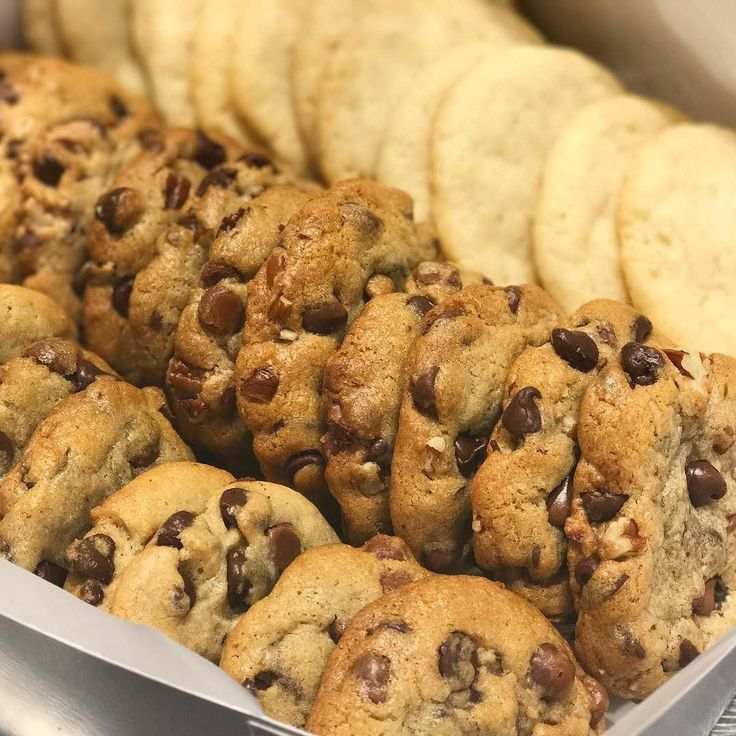Friday cookie deliveries are out the door. Did you get yours?? #SugarPuddinDFW #AllScratchEverything #dallastreats #dallaseats #dallasfoodie #dallasfood #dallasdesserts #cookiesofinstagram #cookiemonster