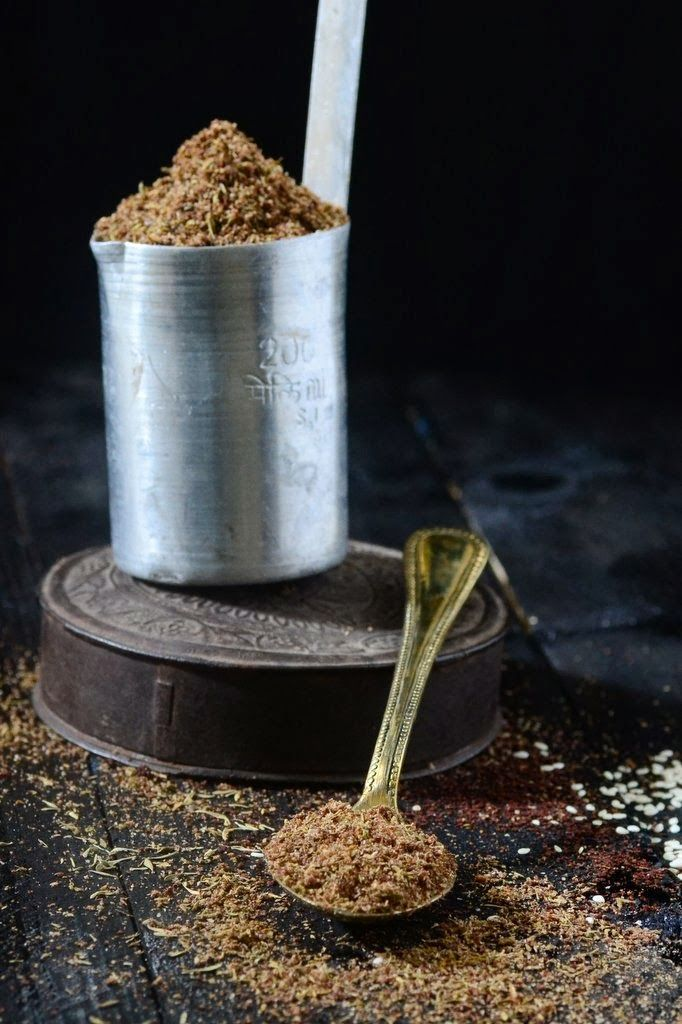 Za'tar Spice Mix....it's so wonderful to discover a new spice mix and add it to your kitchen repertoire!!!