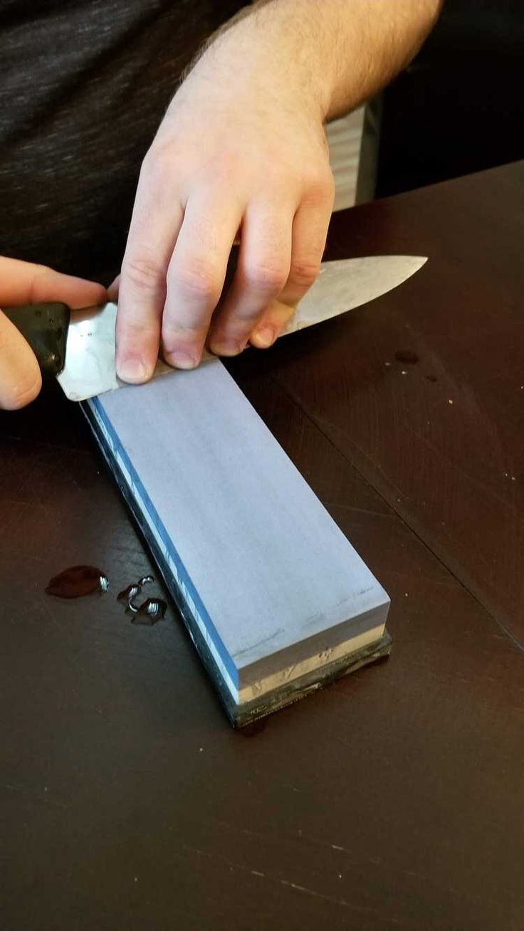 How to sharpen a knife with a whetstone for beginners