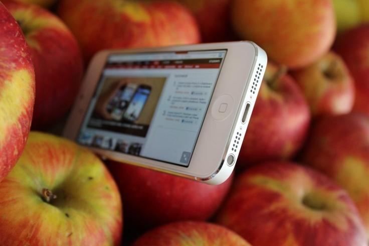 Apple iPhone 5 - první dojmy: http://tech.ihned.cz/testy/c1-57615940