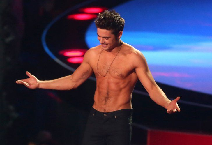 Pin for Later: Flashback to Zac Efron's Glorious Shirtless Moment at the MTV Movie Awards