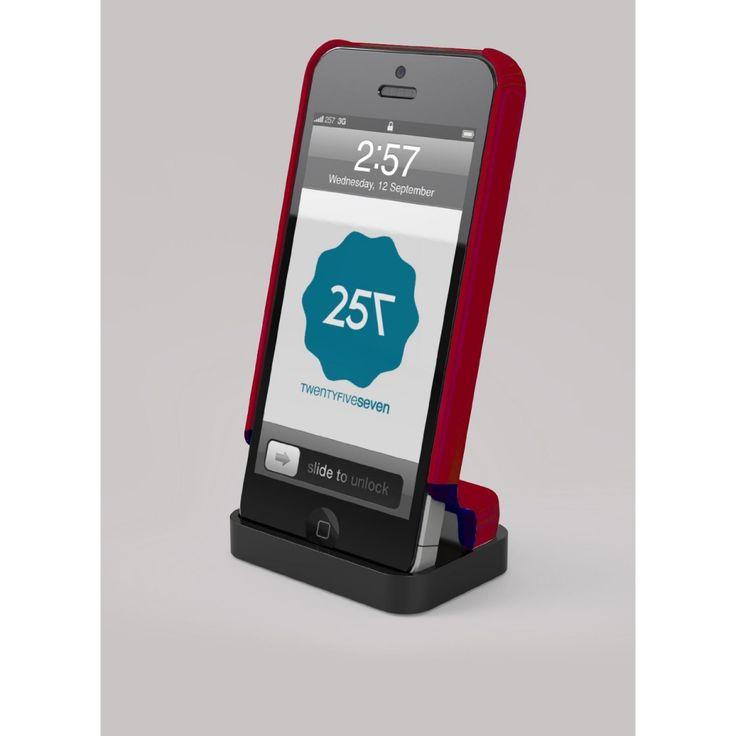 Realizzato in due diversi materiali (plastica di qualità superiore e silicone), la parte inferiore della custodia può essere estesa in modo da consentire di agganciare il vostro iPhone in una base di ricarica,