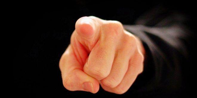 """Clic en la imagen y sigue la reflexión del Evangelio del día  Miércoles Santo  """"Les aseguro que uno de ustedes me entregará""""   Evangelio según Mateo 26, 14-25  Uno de los Doce, llamado Judas Iscariote, fue a ver a los sumos sacerdotes y les dijo: """"¿Cuánto me darán si se lo entrego?"""". Y resolvieron darle treinta monedas de plata. http://www.cristonautas.com/index.php/evangelio-del-dia-lectio-divina-mateo-26-14-25-2/"""