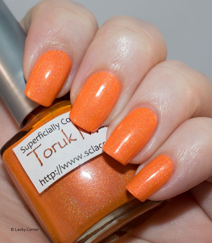 Lacky Corner: Läsarnas Val / Reader's Choice - Superficially Colorful Lacquer Toruk Makto