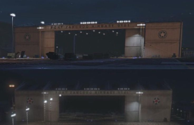 Why does the Fort Zancudo Airbase Hangar No. 0101 change its texture ? (for example the right and left icons) #GrandTheftAutoV #GTAV #GTA5 #GrandTheftAuto #GTA #GTAOnline #GrandTheftAuto5 #PS4 #games