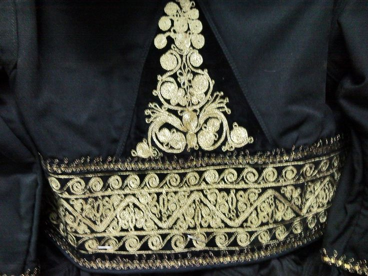 Gidas / detail of embroidery