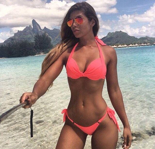 Bella mulata de colombia masturba sus agujeros con juguetes - 3 6