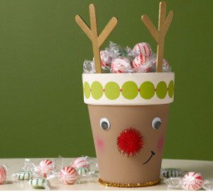 Simple DIY Christmas Craft Ideas For Kids   Clay Pot Rudolph   Click PIN  For 25