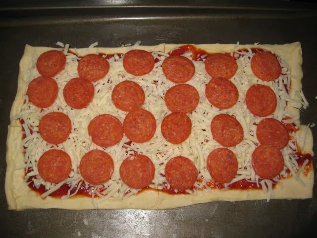 Crescent Roll Pizza: simple and very good!!