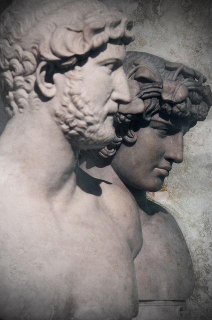 Retrato del emperador Adriano y su amante Antínoo. Museos Capitolinos, Roma.