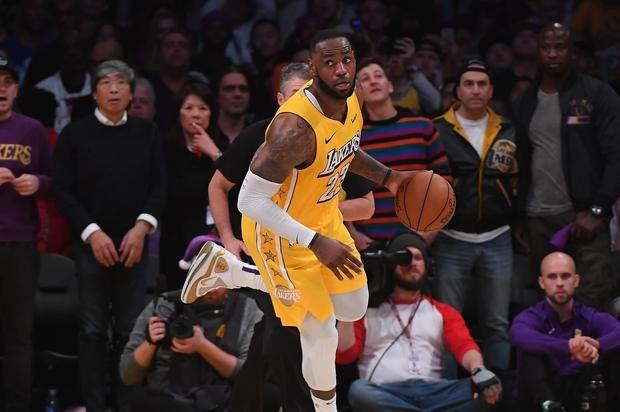 Lebron James Breaks Impressive Nba Record During Lakers Win Lebron James Lakers Win Lebron