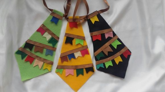 Gravata Junina feita de feltro e fita de cetim, a gravata mede 25cm