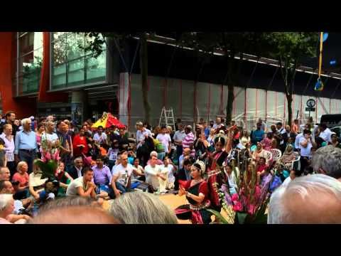 Street Indian Dancing - YouTube