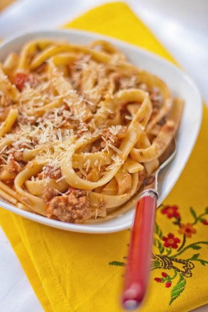 А не поесть ли нам сегодня… пасты?:) Да еще и из последнего номера CookEatSmile ?:) Ведь как прекрасно холодным промозглым вечером ужинать аппетитными тальятелле с ярким…