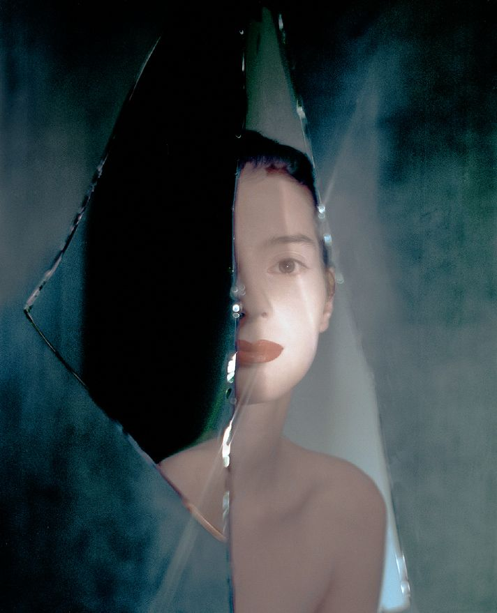 In People, Portrait, Female. Broken Mirrors, photography by Andreas Heumann. Image #282558