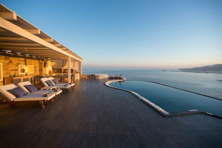 Ζήστε αξέχαστες διακοπές στο Naxos Rock Villas