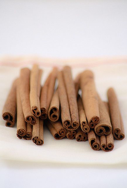 Takeya Tip Tuesday: Fall is around the corner, which means that it's time to stock up on fall spices, like cinnamon. Brew & Flash Chill black tea in our Flash Chill Tea Maker, add cinnamon sticks to our Fruit Infuser and infuse it in the iced black tea for a spicy, sweet sip. What's your favorite fall spice?