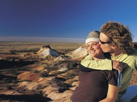 The Breakaways are one of South Australia's Outback gems. They're a striking rocky landscape of flat-topped mesas. via Gaander
