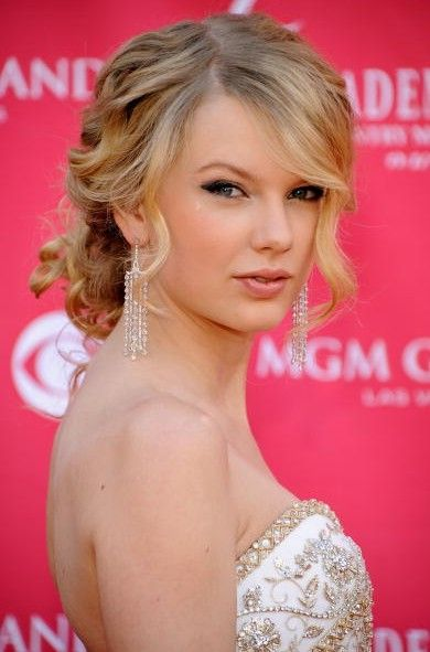 another...?: Hair Ideas, Updo Hairstyle, Wedding Hair, Bridesmaid Hair, Celebrity Hairstyles, Prom Hairstyles, Hair Style, Taylors Swift, Curly Hair