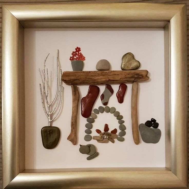 Are you hanging out your stockings on the wall 🎵🎶♩ #merrychristmas #fireplace #ilovechristmas #christmasart #pebbleart🎨 #ilovecrafts