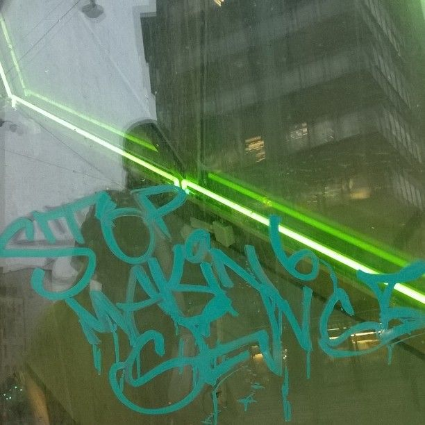 """12 tykkäystä, 1 kommenttia - Valokuvaaja (@satuylavaara) Instagramissa: """"David Byrne käyny vähä sotkemasa.. #streetart #streetphotography #tag #kraffiti #graffiti #urbanart…"""""""