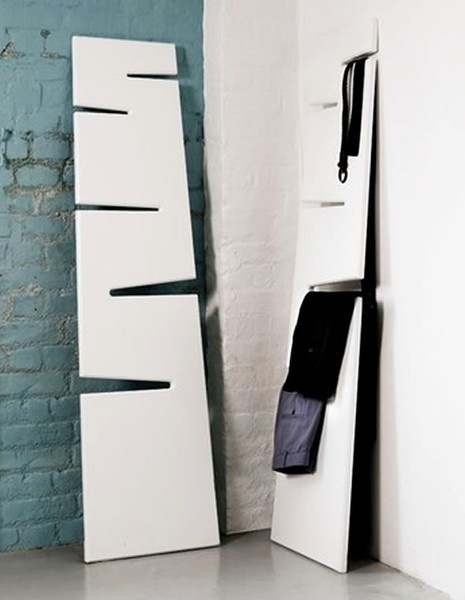 Clothes hanging wall mount