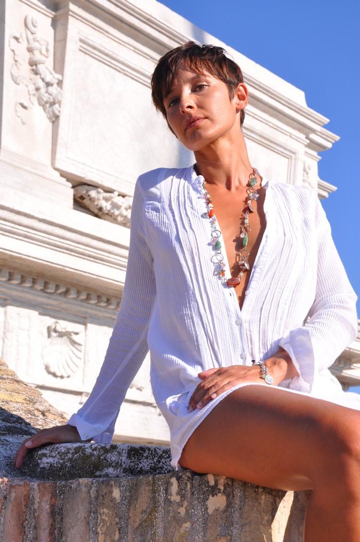 Aurora necklace. Colossevm Collection Mirko Clementi Photo by Rocio Arbuto. Model Federica.