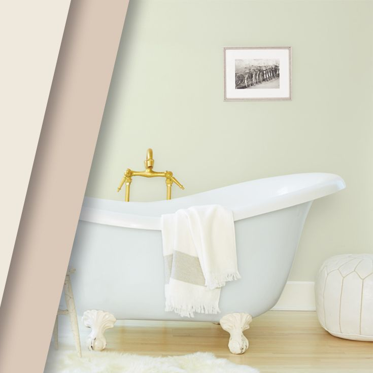 Take A Hot, Soothing Bath In This Tranquil Bathroom