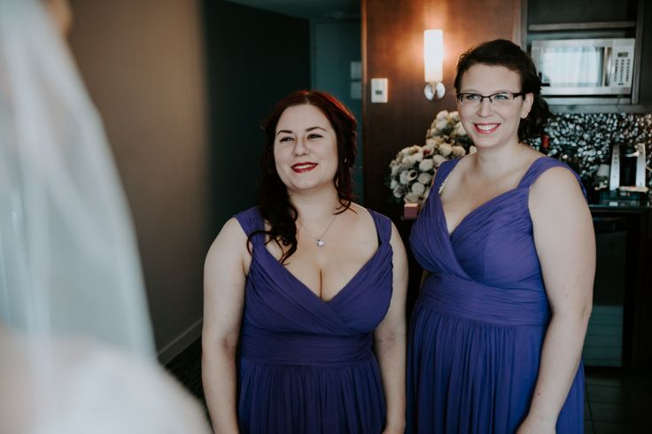 Purple bridesmaids. Getting Ready for wedding. First look.