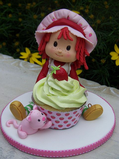 Strawberry Cake Cartoon Images : 134 best images about Strawberry Shortcake Cakes on ...