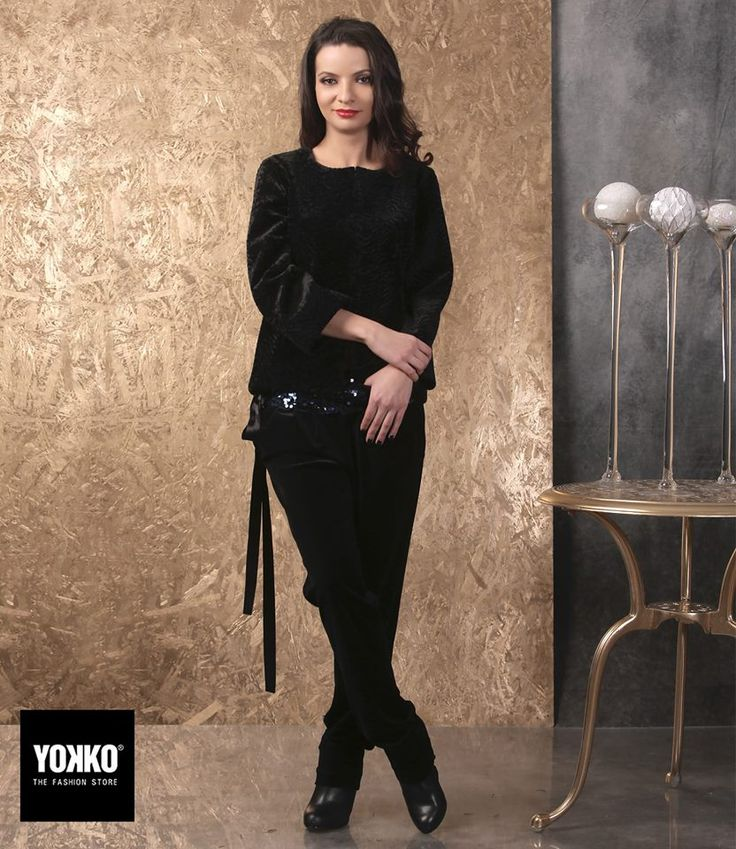 Fabulous in velvet! #december #velvet #eveningoutfit #style #fashion #yokko #women