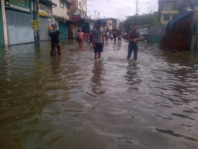 RT @pbb_89: 15.12 Situasi banjir di wilayah jelambar baru
