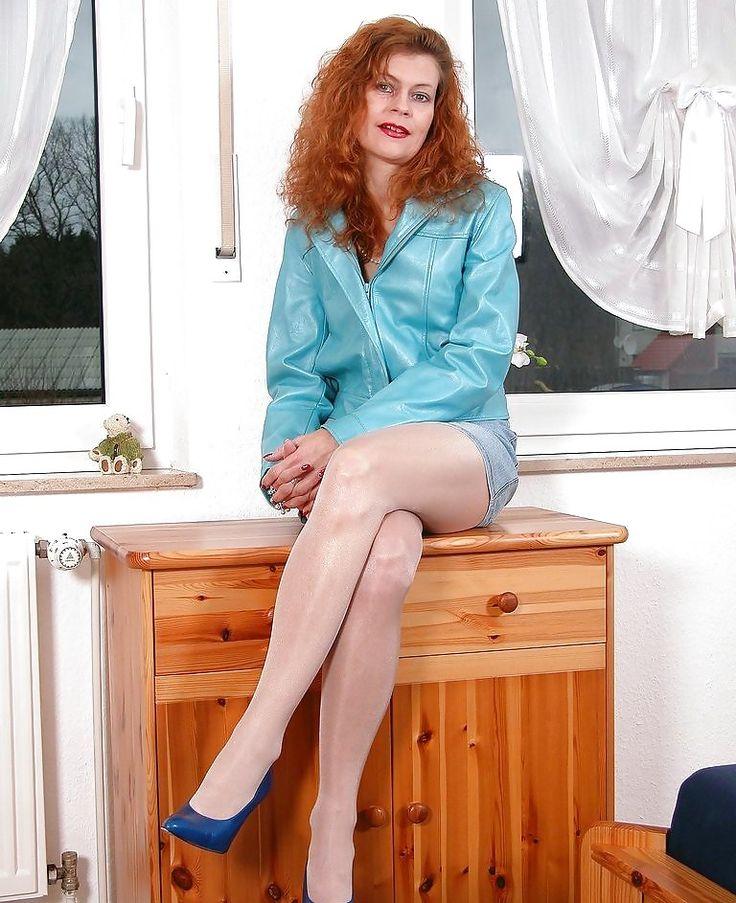 Sexy gilf Nude Photos 39