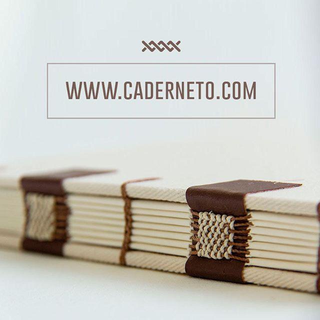 Novidade boa! Agora todos os modelos que aparecem por aqui podem ser adquiridos na nossa loja virtual! Vem conhecer a coleção completa!  #bookbinder #bookbinding #hechoamano #makersmovement #encadernação #compredequemfaz